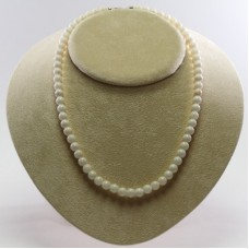 Extra White Coral Necklace 7mm in Gold 18K