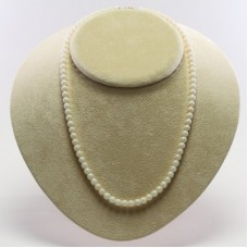 Extra White Coral Necklace 5½mm in Gold 18K