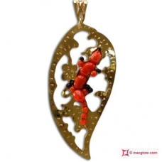Leaf with Gecko Pendant [Coral, Onyx] in Gold Plated Silver